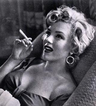 Monroesmoking